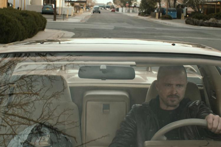 نمایی از جسی در ماشین ال کامینو در فیلم ال کامینو