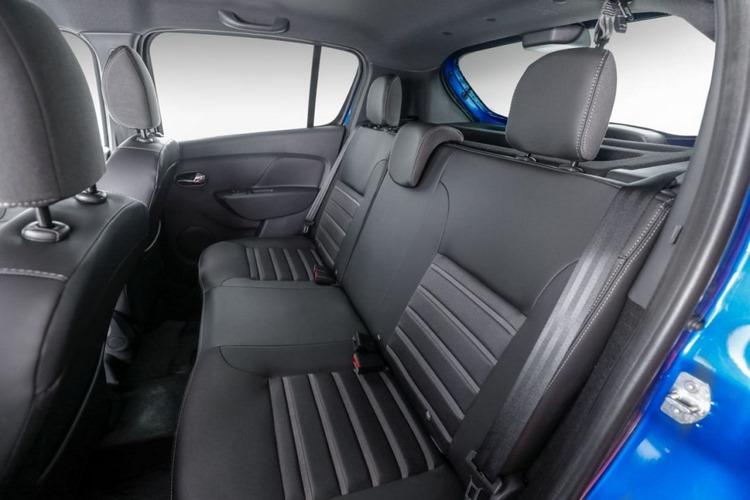 نمای صندلیهای رنو ساندرو 2020