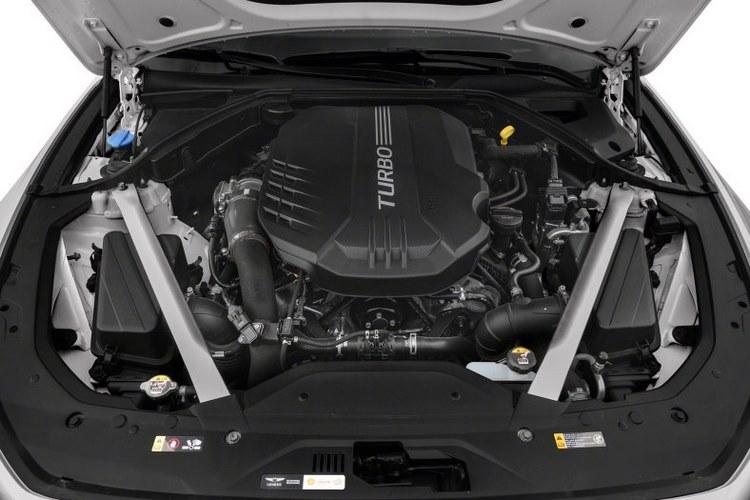 نمای موتور جنسیس G70