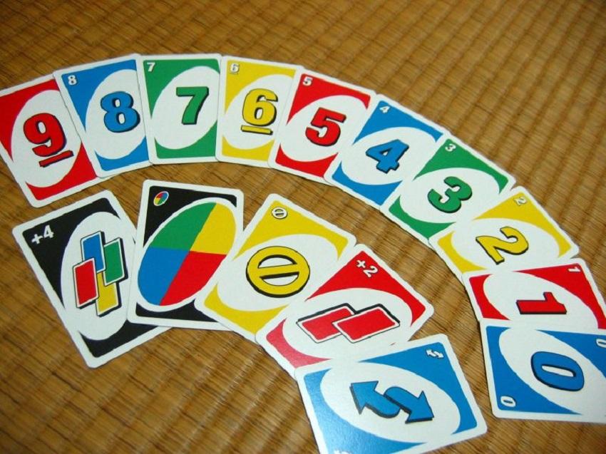 انواع کارتهای مختلف در بازی اونو